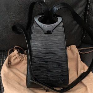 RARE Louis Vuitton Epi Leather Minuit Handbag
